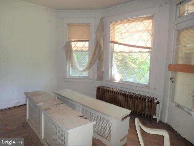 Dining room featured at 8 Broadway Cir, Cumberland, MD 21502