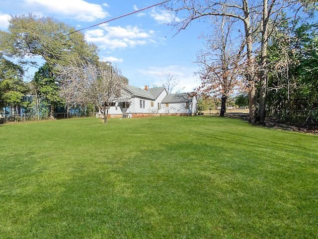 Yard featured at 18932 Atomic Rd, Jackson, SC 29831