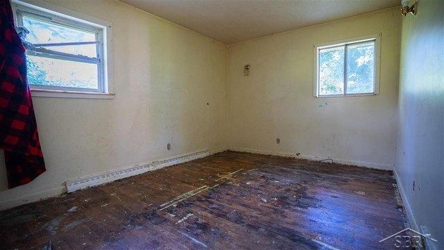 Bedroom featured at 2861 Hermansau Rd, Saginaw, MI 48604