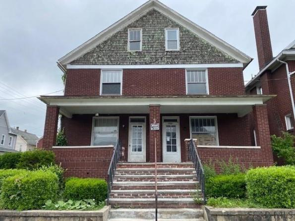 Porch featured at 700-702 Cypress Ave, Johnstown, PA 15902
