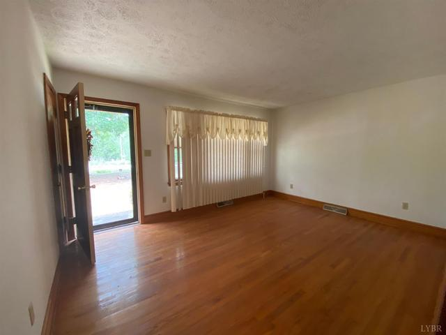 Living room featured at 1099 Dudley Rd, Halifax, VA 24558