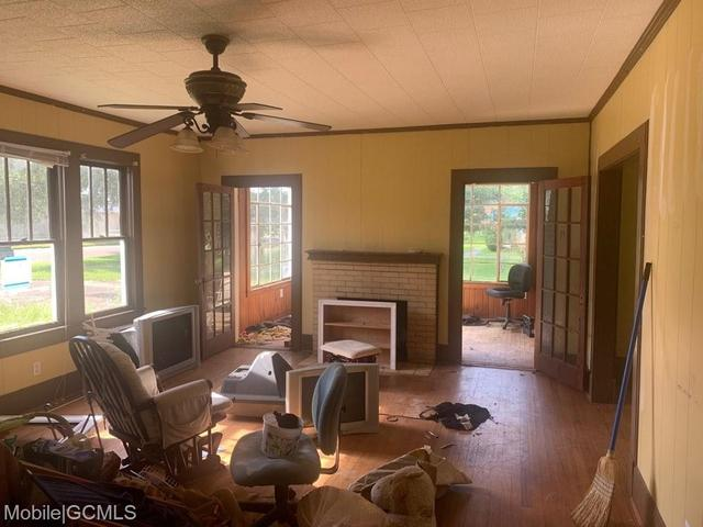 Living room featured at 19230 Rowe St, Citronelle, AL 36522