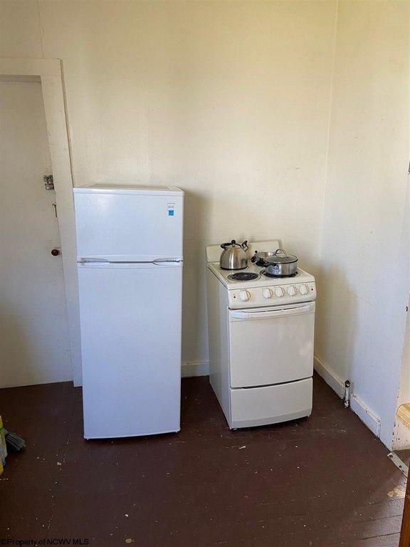 Kitchen featured at 827 Field St, Fairmont, WV 26554