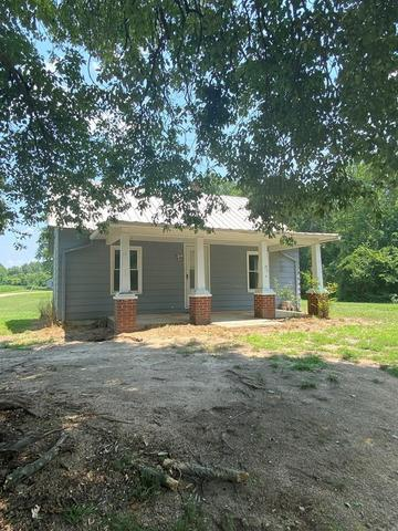House view featured at 112 Buffalo Creek Rd, Red Oak, VA 23964