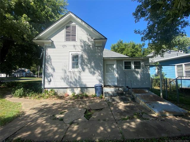 House view featured at 111 S Rosehill Ave, Cleveland, OK 74020