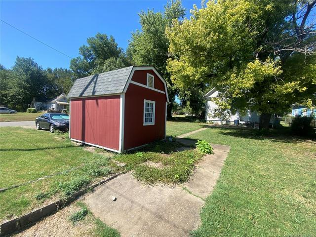 Farm land featured at 111 S Rosehill Ave, Cleveland, OK 74020