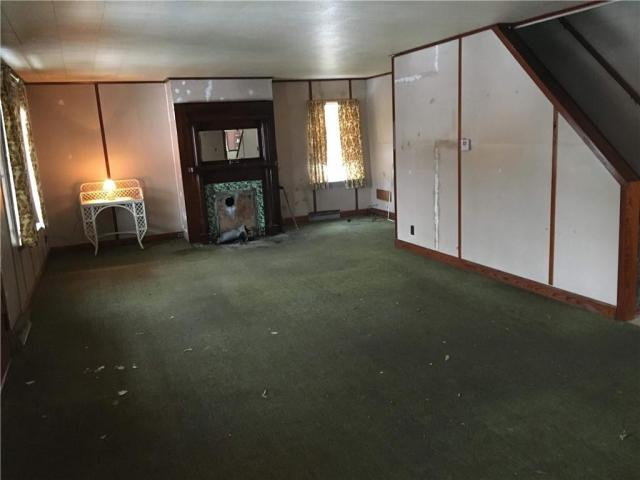Living room featured at 108 Boyd Rd, Kittanning, PA 16201