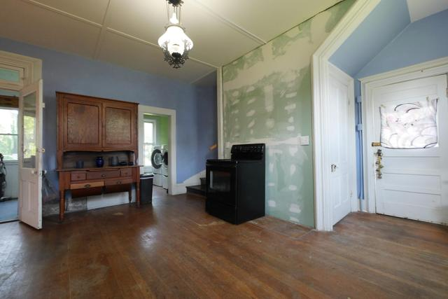 Property featured at 605 S 5th St, Moberly, MO 65270