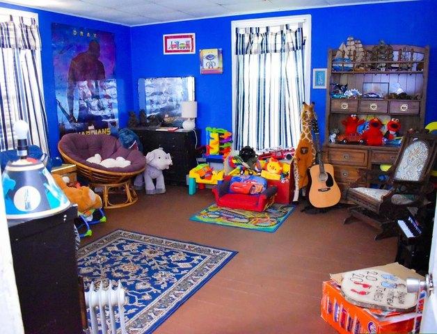 Living room featured at 223 Edisto St, Johnston, SC 29832