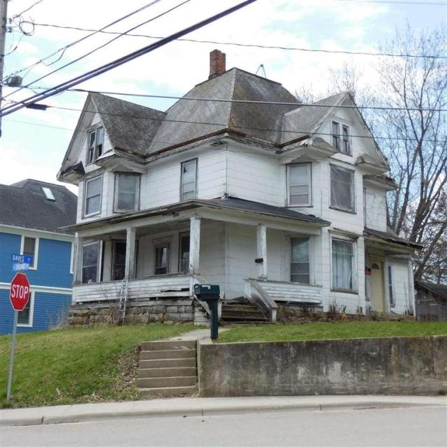 House view featured at 216 N Chestnut St, Mineral Point, WI 53565