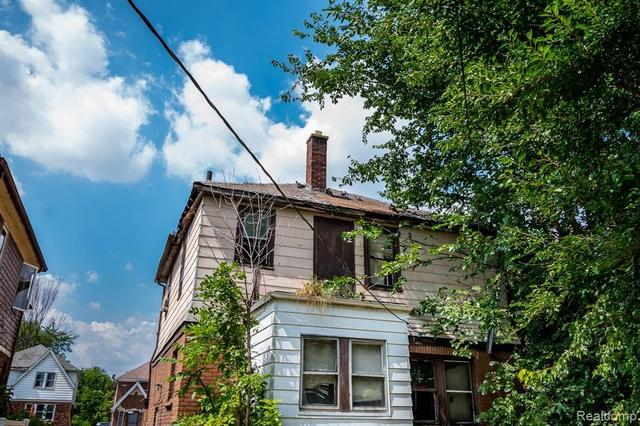 House view featured at 17194 Runyon St, Detroit, MI 48234