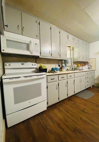 Kitchen featured at 401 E Spring St, El Dorado Springs, MO 64744