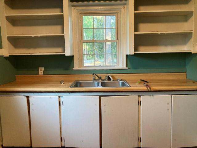 Kitchen featured at 121 Park Ave, Olanta, SC 29114