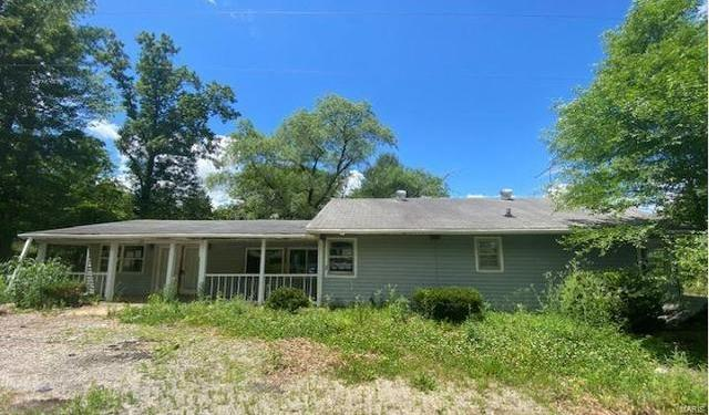 House view featured at 6855 Pond Ford Rd, Saint Clair, MO 63077