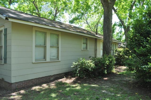 House view featured at 404 W Sultana Dr, Fitzgerald, GA 31750