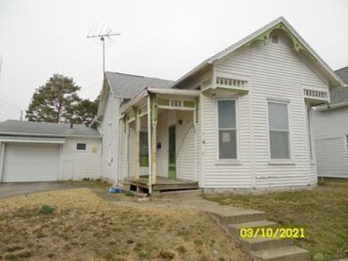 House view featured at 212 E Monfort St, Eaton, OH 45320