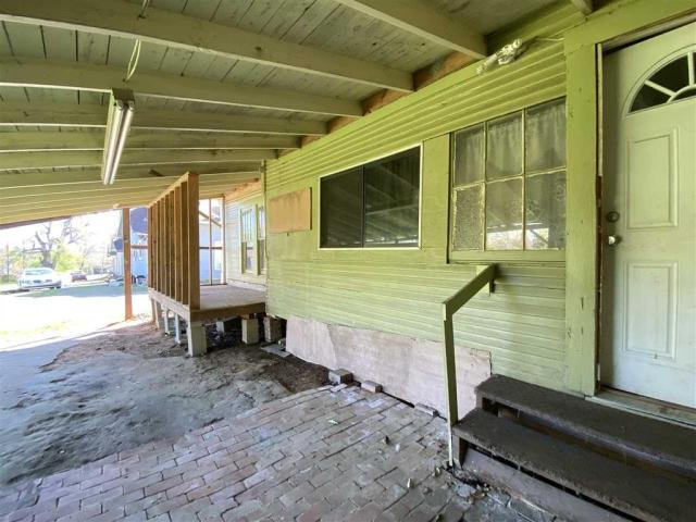 Porch featured at 111 S High St, Henderson, TX 75654