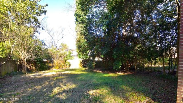 Yard featured at 1304 Western Ave, Rocky Mount, NC 27804