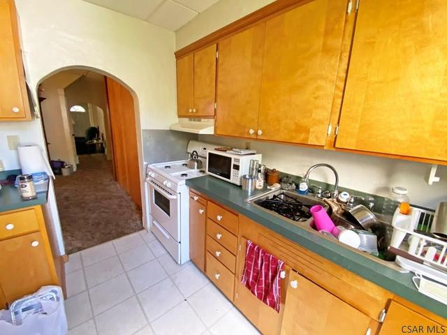 Kitchen featured at 764-766 Cypress Ave, Johnstown, PA 15902