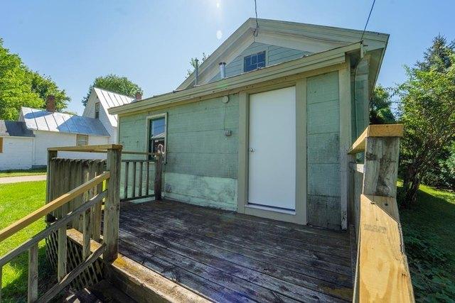 Porch featured at 206 E Main St, Weyauwega, WI 54983