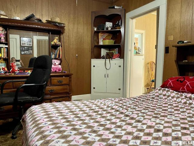 Bedroom featured at 304 E Chestnut St, Anna, IL 62906