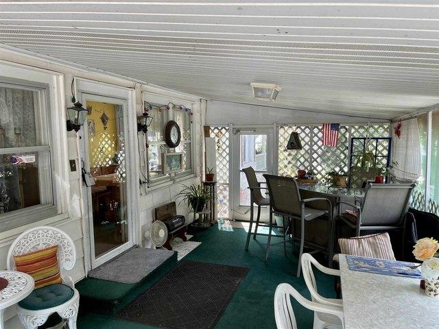 Porch featured at 304 E Chestnut St, Anna, IL 62906