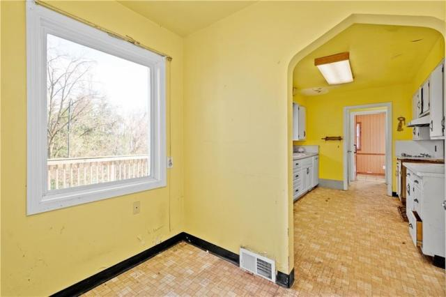 Bedroom featured at 362 Vermont Ave, Clairton, PA 15025