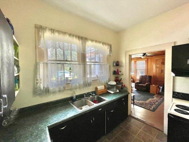 Kitchen featured at 17234 S Highland Ave, Arlington, GA 39813