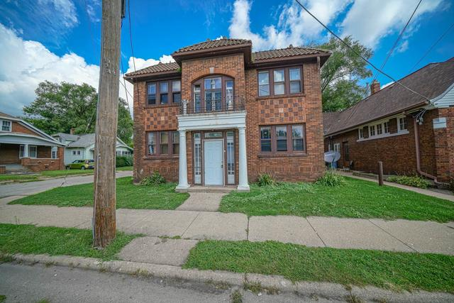 House view featured at 1520 15th Ave, Rockford, IL 61104