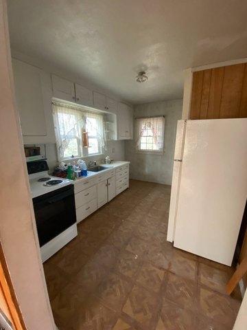 Kitchen featured at 112 Rehal Ave, Joplin, MT 59531
