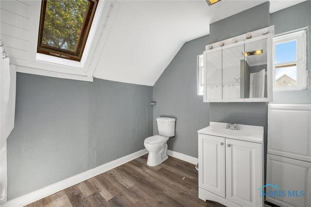 Laundry room featured at 647 Federal St, Toledo, OH 43605