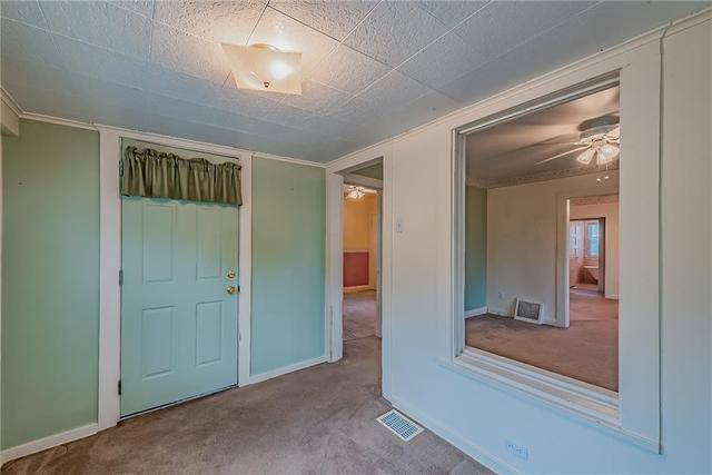 Bedroom featured at 1511 Wesley St, McKeesport, PA 15132