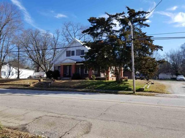 Road view featured at 606 N Broad St, Clinton, SC 29325