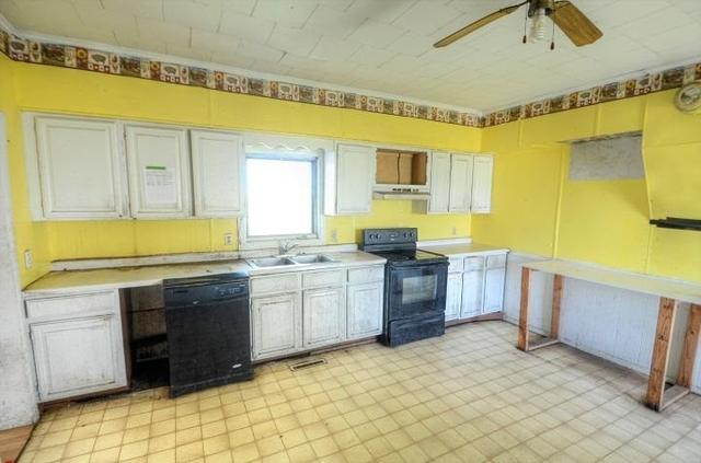 Kitchen featured at 3874 County Road P, Wisconsin Dells, WI 53965