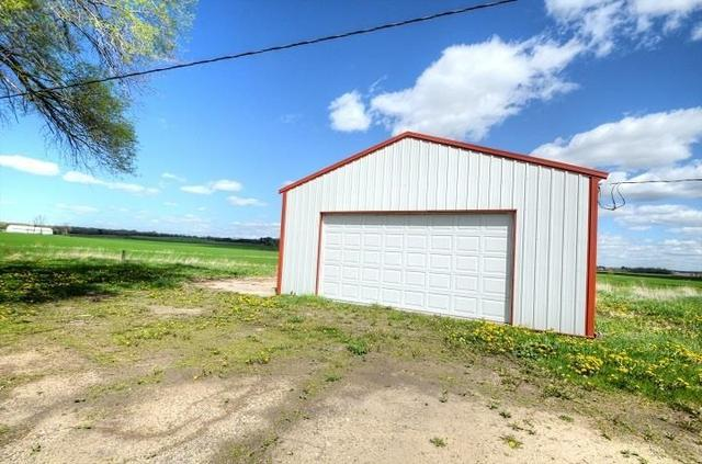 Garage featured at 3874 County Road P, Wisconsin Dells, WI 53965
