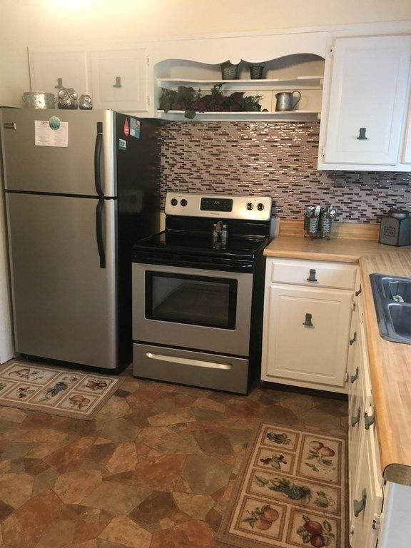 Kitchen featured at 2155 Leemaster Dr, Vansant, VA 24656