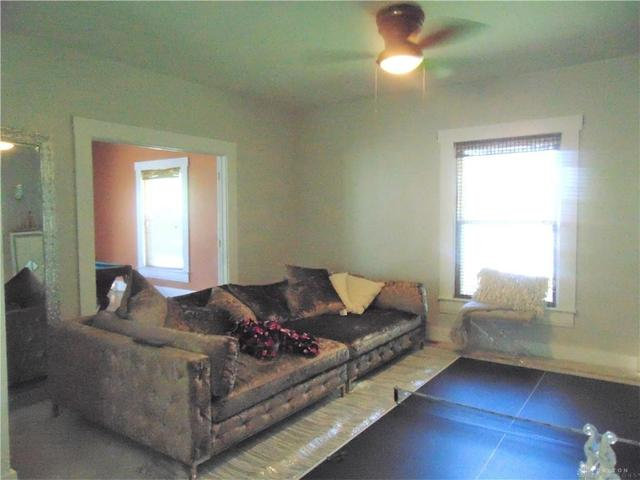 Living room featured at 1284 Dietzen Ave, Dayton, OH 45417