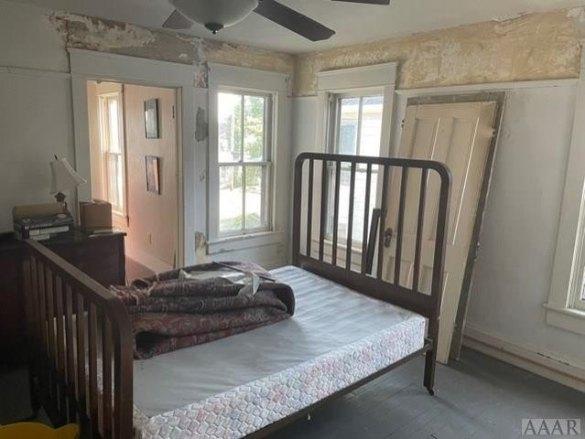 Bedroom featured at 737 Riverside Ave, Elizabeth City, NC 27909