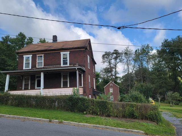 House view featured at 413 Prosser St, Johnstown, PA 15901