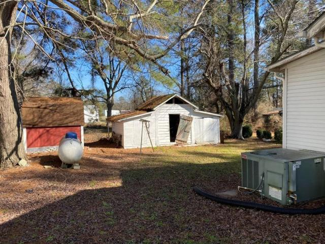 Yard featured at 107 Crocker St, Seaboard, NC 27876