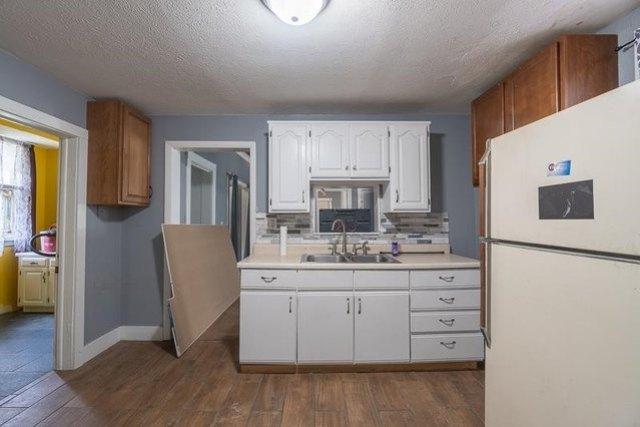 Property featured at 1012 E Nebraska Ave, Peoria, IL 61603
