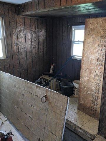 Bathroom featured at 229 Main St, Prairie Home, MO 65068