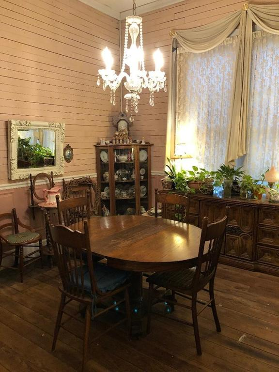 Dining room featured at 93 E Pine St, Pachuta, MS 39347