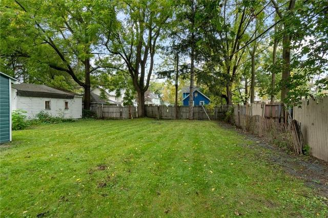 Yard featured at 6 Brooklyn St, Rochester, NY 14613