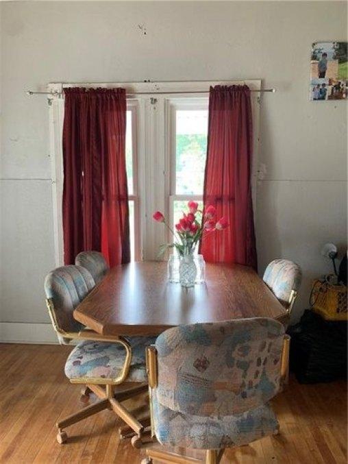 Dining room featured at 501 N Walnut St, Creston, IA 50801