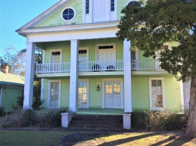 House view featured at 106 Washington St N, Fort Gaines, GA 39851