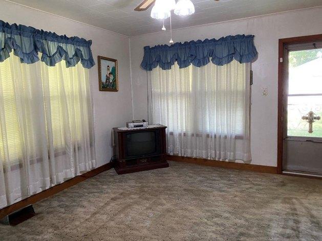 Living room featured at 5740 Garden Creek Rd, Rowe, VA 24646