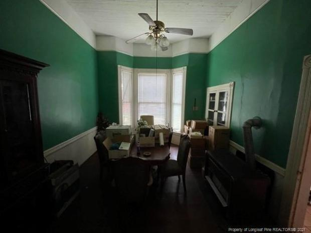 Dining room featured at 318 N Patterson St, Maxton, NC 28364