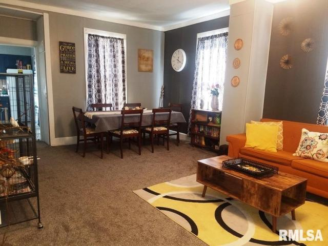 Living room featured at 337 Day St, Galesburg, IL 61401