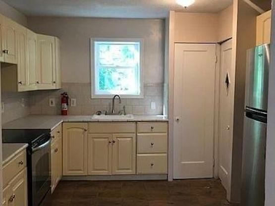Kitchen featured at 935 E Cantrell St, Decatur, IL 62521